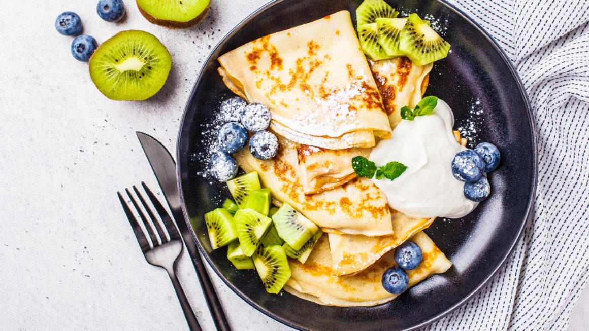 Low Carb Quark-Pfannkuchen mit Obst