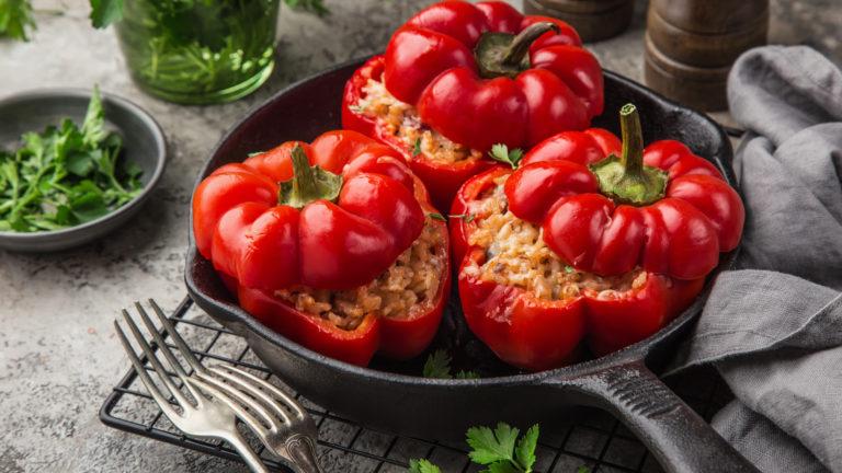 Gefüllte Paprika mit Reis und Hackfleisch